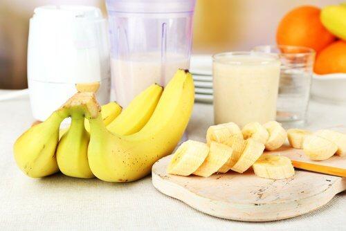 فاكهة الموز – إليك 6 أسباب رائعة تجعلك تتناول الموز يوميًا
