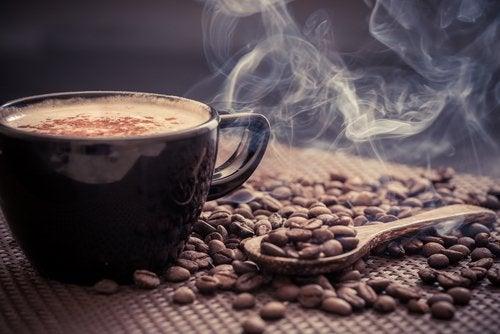 فنجان من القهوة لزيادة النشاط الاستقلابي