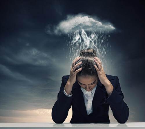الصداع النصفي – ثلاثة مسكنات ألم طبيعية تساعدك على تخفيف أعراض الشقيقة