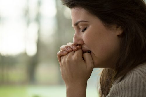 السيطرة على القلق – 7 علاجات طبيعية تساعدك على مكافحة القلق