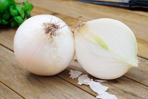 البصل يفيد في التخلص من المخاط الزائد