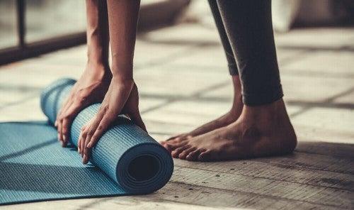 وضعيات اليوغا - 5 وضعيات يوغا يمكنك ممارستها لزيادة مرونة جسمك