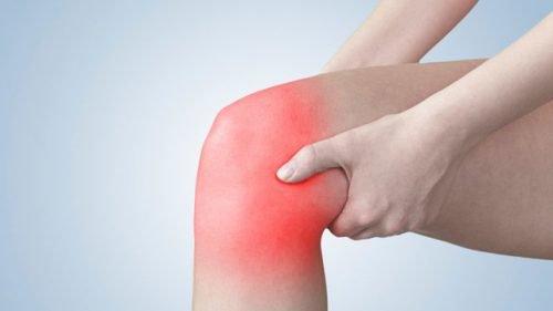آلام الركبة – 5 تمارين تساعدك على تخفيف هذه الآلام المزعجة