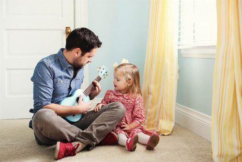 امرأة قوية - 8 أشياء يجب على الأب القيام بها لتربية امرأة قوية