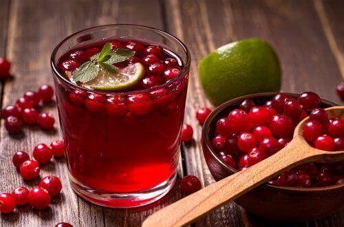 عصير ثمار التوت البري