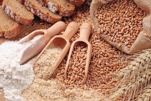 مجموعه من الحبوب الكاملة