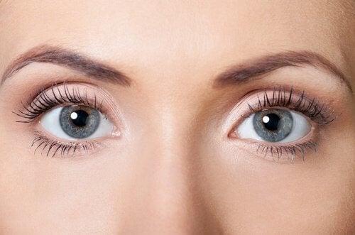 عينين