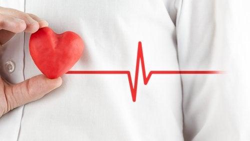 أعراض نوبة القلق – كيف تفرق بين نوبة القلق والنوبة القلبية