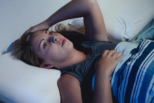 مكافحة الأرق واضطرابات النوم