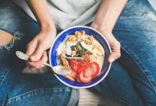 خيارات أطعمة الإفطار المثالية لتحفيز عملية الأيض