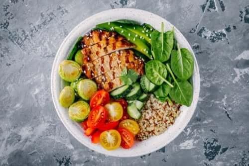 3 وجبات عشاء صحية تحتوي على أقل من 300 سعر حراري