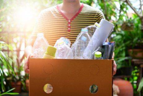 تقليل المخلفات وإعادة التدوير
