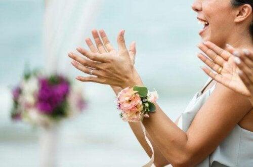 كيف تختاري المظهر المثالي لحضور حفل زفاف