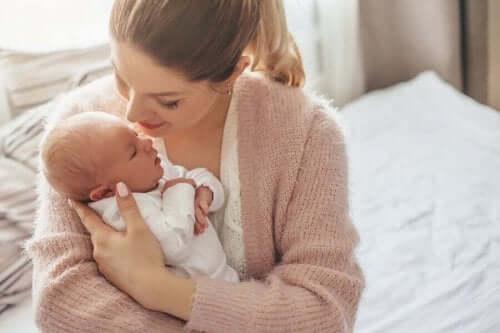 مزايا ولادة الطفل في فصل الصيف