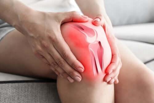 لماذا يسبب الفصال العظمي ألم الركبة؟
