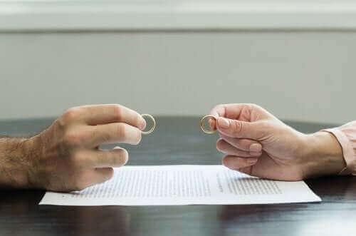 7 نصائح تساعدك على تجاوز حالة الطلاق