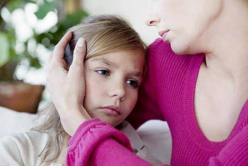 طفل يعاني من الصداع