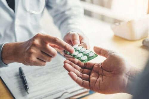 عقار النورفلوكساسين - اكتشف استخدامات والآثار الجانبية لهذا المضاد الحيوي