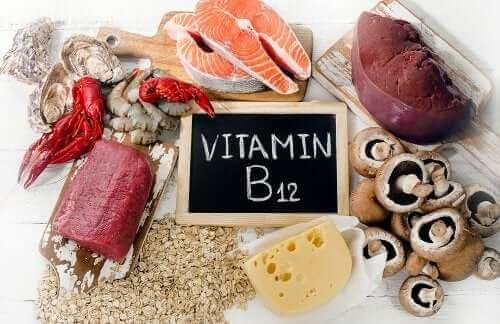 كل ما تحتاج إلى معرفته عن فيتامين ب12