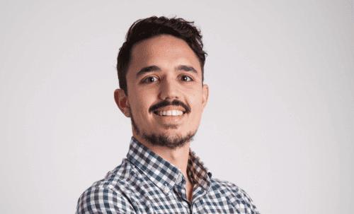 مقابلة مع كارلوس ريوس: هل تأكل طعامًا حقيقيًا؟