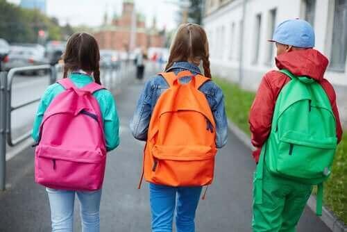 حقائب الظهر المدرسية وألم الظهر