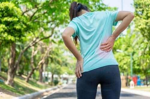 ألم أسفل الظهر – اكتشف معنا 3 أنواع من التمارين مثبتة الفعالية علميًا