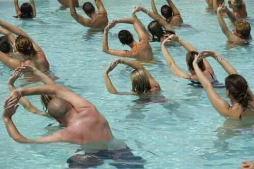 التمارين المائية