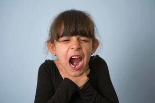 حالة الاختناق بين الأطفال – ما يجب القيام به وكيفية تجنب الحالة