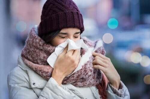 نزلات البرد – الأسباب وعوامل الخطر التي تؤدي إلى إصابتنا بها