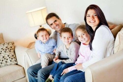 10 عادات صحية نستطيع اكتسابها كعائلة خلال أزمة الوباء الحالية