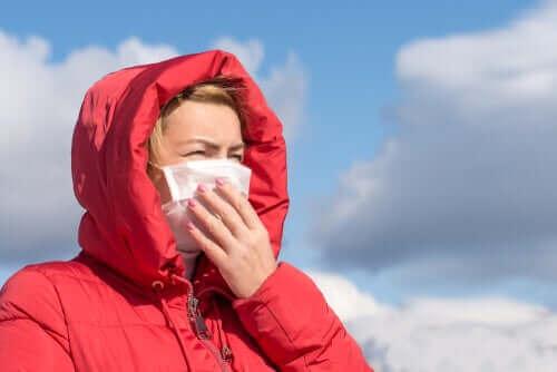 منظمة الصحة العالمية: فيروس كورونا لا ينتقل عبر الهواء