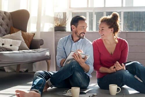 كيف تعزز علاقتك العاطفية مع شريكك خلال فترة العزل المنزلي