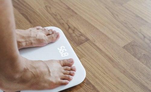 زيادة الوزن خلال فترة الحجر الصحي بسبب فيروس كورونا المستجد