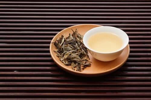 شاي أبيض