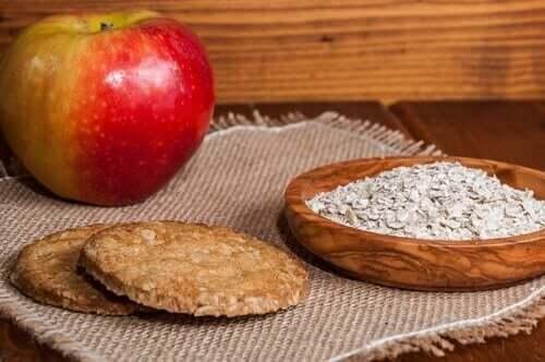 كوكيز الشوفان والتفاح