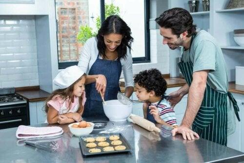 4 أنشطة منزلية يمكنك الاستمتاع بها مع عائلتك