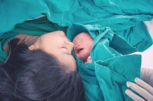 الولادة المبكرة - العلامات والأعراض