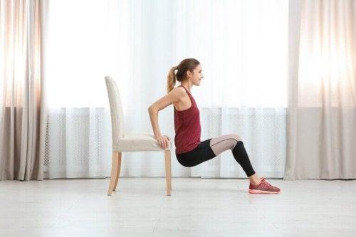 العناصر المنزلية التي تستطيع استعمالها لممارسة الرياضة داخل المنزل