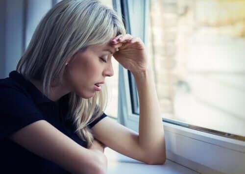 الشعور بالقلق - 7 استراتيجيات تساعدك خلال الأزمة الحالية
