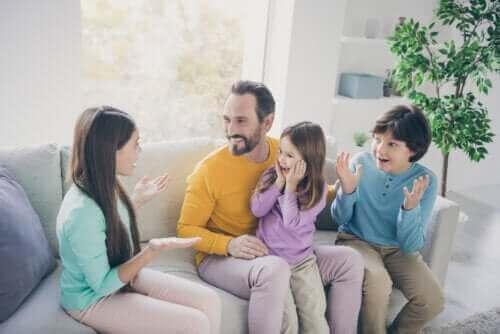 كيفية تحسين علاقتك بأبنائك أثناء الحجر الصحي