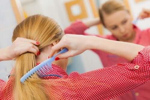 تجنب تساقط الشعر - 5 نصائح للحفاظ على صحة فروة الرأس