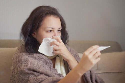 فيروس كورونا والحساسية - كيف يمكنك أن تفرق بينهما؟