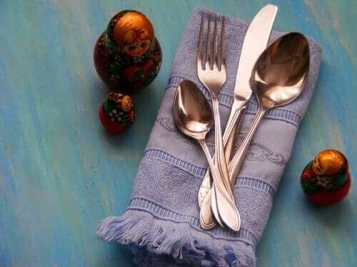طرق مبدعة لإعادة تدوير أدوات المائدة القديمة