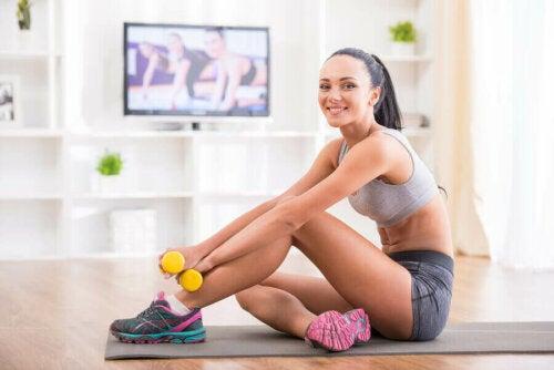 تطوير عادات صحية من خلال ممارسة الرياضة في المنزل
