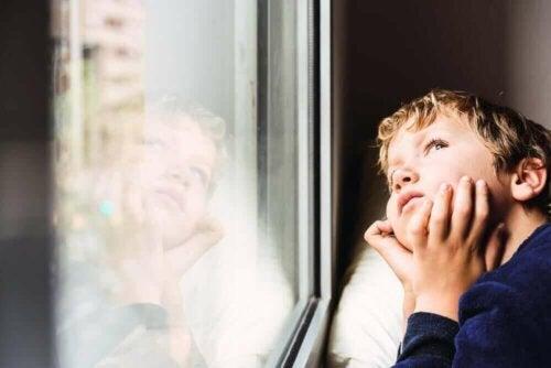 تأثيرات العزل على الأطفال وكيفية التعامل معها