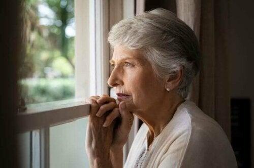 كبار السن - كيفية مساعدتهم نفسيًا خلال الوضع الصعب الحالي
