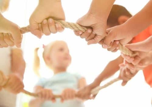 أسباب تدفعك إلى تشجيع اللعب التعاوني بين الأطفال