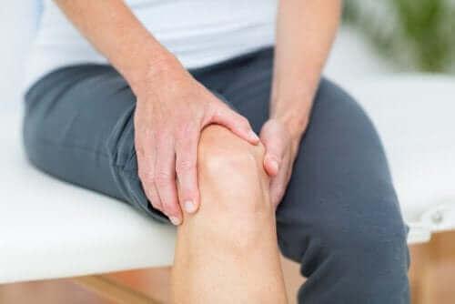 هل يوجد علاج لخشونة الركبة؟