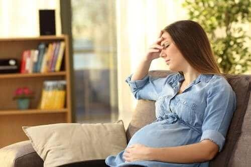 ظاهرة النسيان بين الأمهات الجدد - لماذا تظهر الحالة أثناء الحمل وبعد الولادة؟