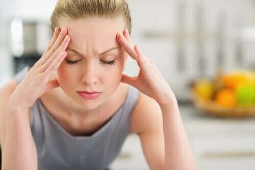 هل يؤثر الضغط النفسي على صحة البشرة؟